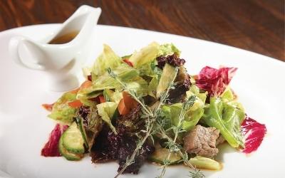 Салат из маринованной  свинины